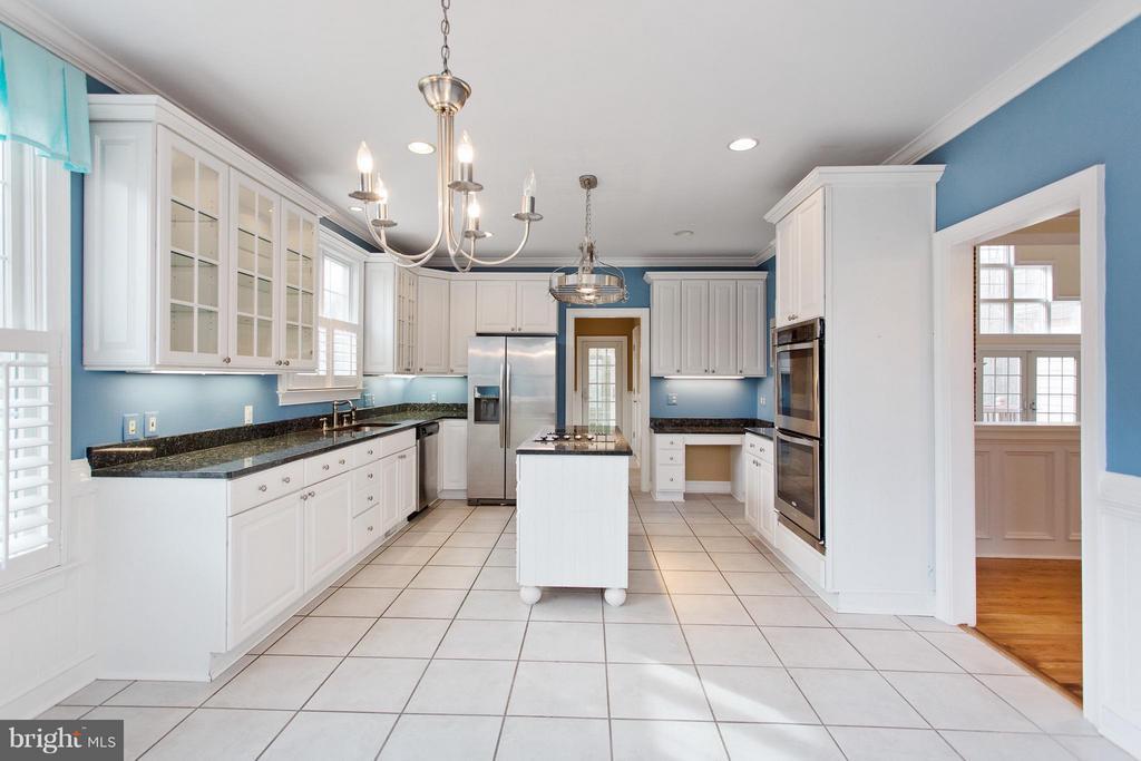 Gourmet Kitchen w/granite & stainless steel - 55 AZTEC DR, STAFFORD