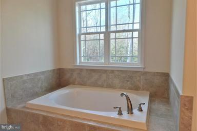 Bath (Master) - -LOT 10 STILLWATER LN, FREDERICKSBURG