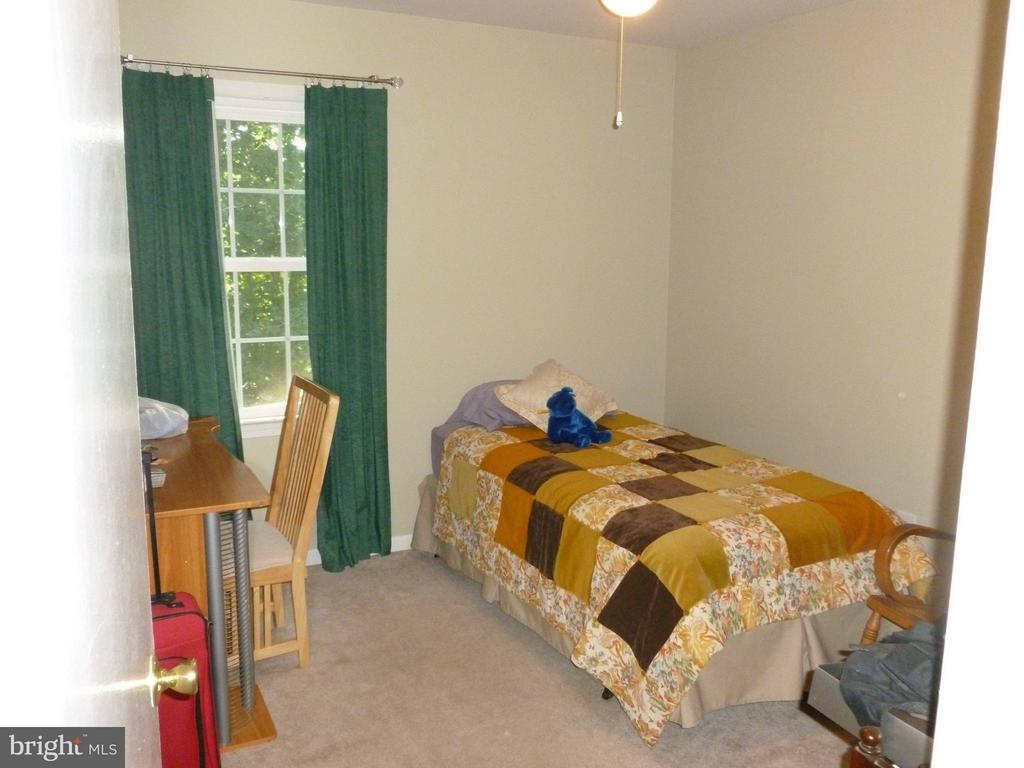 Third Bedroom - 8738 ARLEY DR, SPRINGFIELD