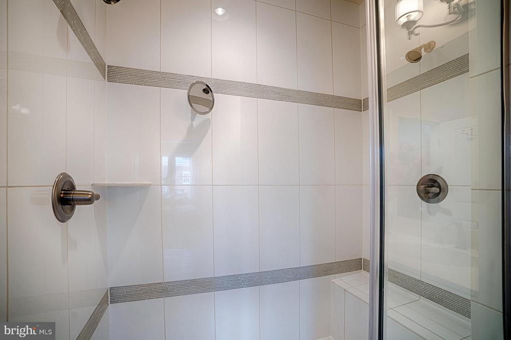 Master Bath Shower w/ Dual Shower Heads - 1145 MONROE ST S, ARLINGTON