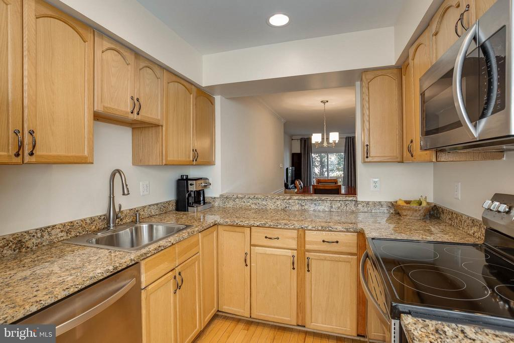 Kitchen with Beautiful Granite Counters - 2126 HUTCHISON GROVE CT, FALLS CHURCH