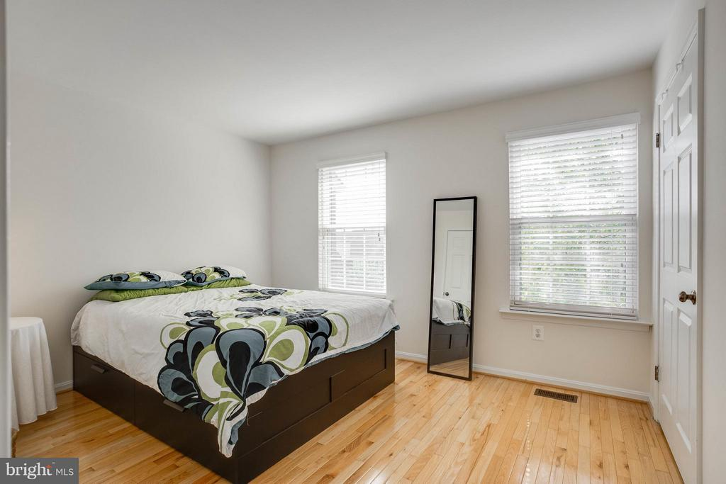 Bedroom (Master) - 2126 HUTCHISON GROVE CT, FALLS CHURCH