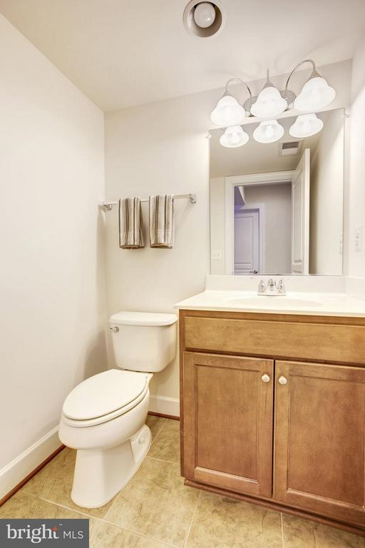 HALF BATHROOM ON LOWER LEVEL OF HOME! - 6260 SUMMIT POINT CT, ALEXANDRIA