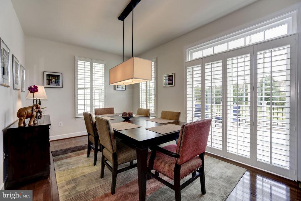 DINING ROOM - HARDWOOD FLOORS, PLANTATION SHUTTERS - 6260 SUMMIT POINT CT, ALEXANDRIA
