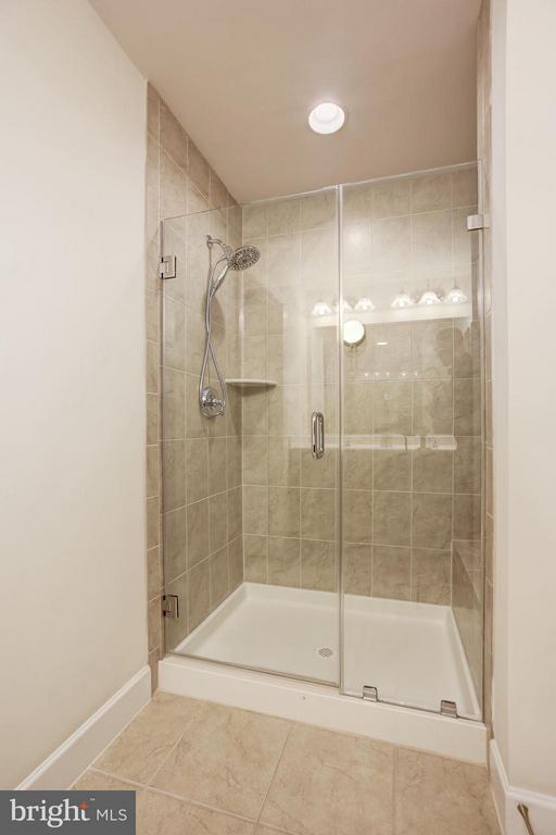 MASTER BATHROOM - BEAUTIFUL CERAMIC SHOWER! - 6260 SUMMIT POINT CT, ALEXANDRIA