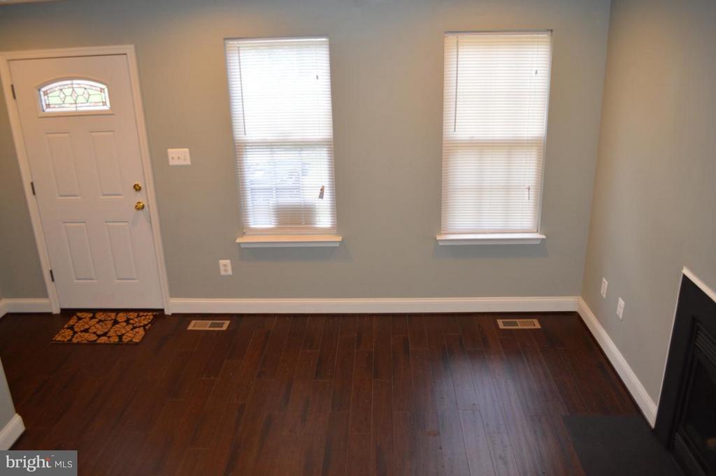 Living Room - 4402 BIRCHTREE LN, TEMPLE HILLS