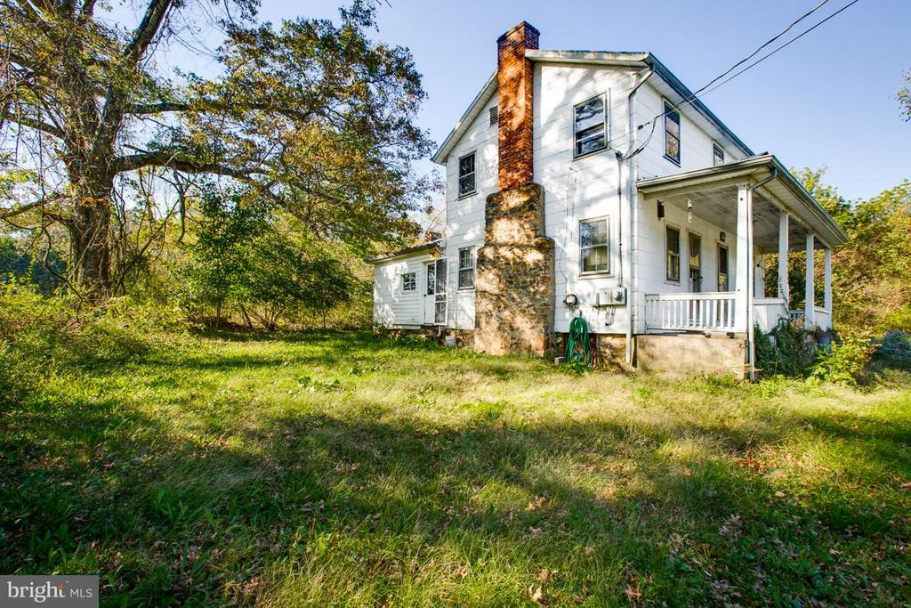 Side view - 15854 SAINT ANTHONY RD, THURMONT