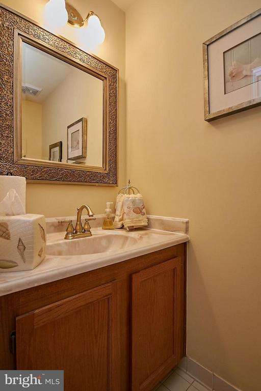 Main Level Powder Room - 7827 BOLD LION LN, ALEXANDRIA