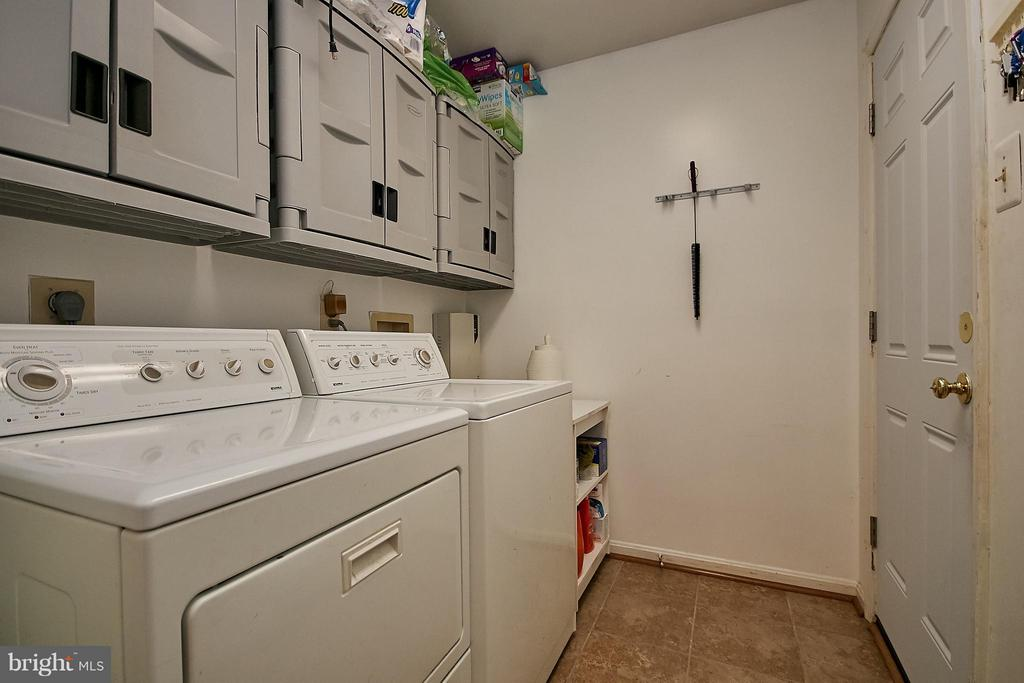 Laundry Room/Mud Room - 7827 BOLD LION LN, ALEXANDRIA