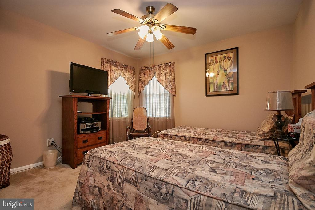 Bedroom with Lighted Ceiling Fan - 7827 BOLD LION LN, ALEXANDRIA