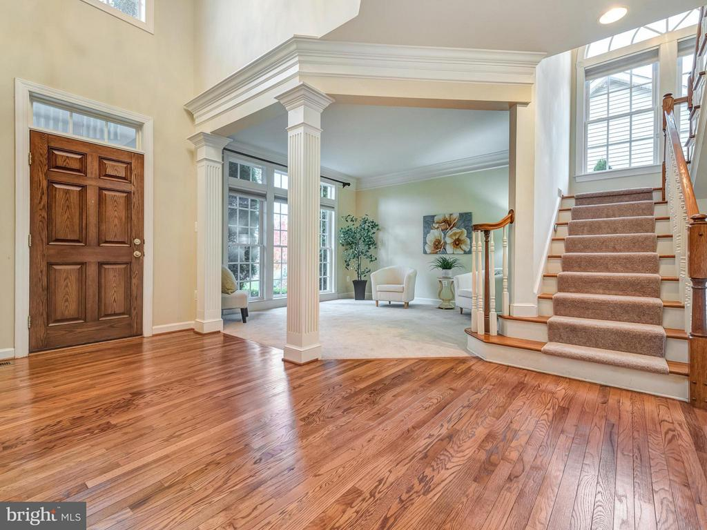 Gleaming refinished hardwoods! - 3918 SWEET BRIAR LN, FREDERICK