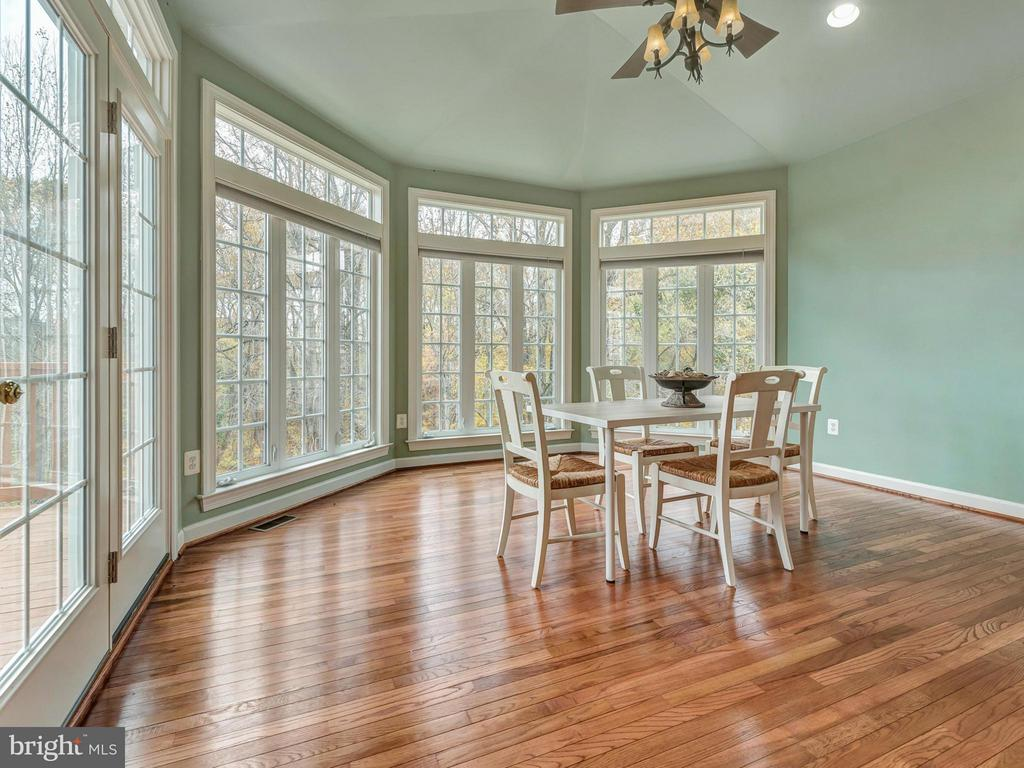 Kitchen morning room with a gorgeous view. - 3918 SWEET BRIAR LN, FREDERICK