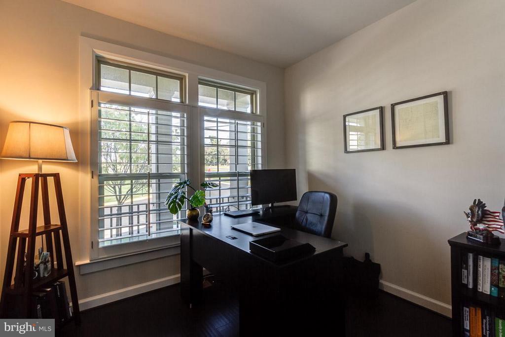 Home Office/Study - 9071 BEAR BRANCH PL, FAIRFAX