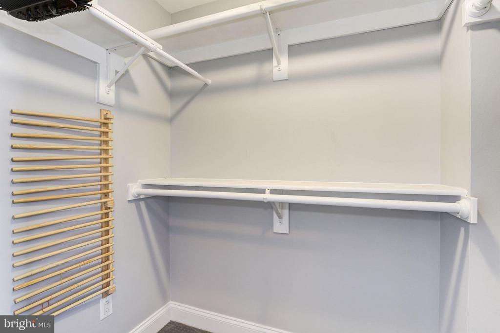 Large Walk in closet - 1020 HIGHLAND ST #1017, ARLINGTON