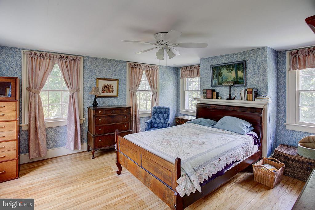 Master Bedroom - 15286 LOYALTY RD, WATERFORD