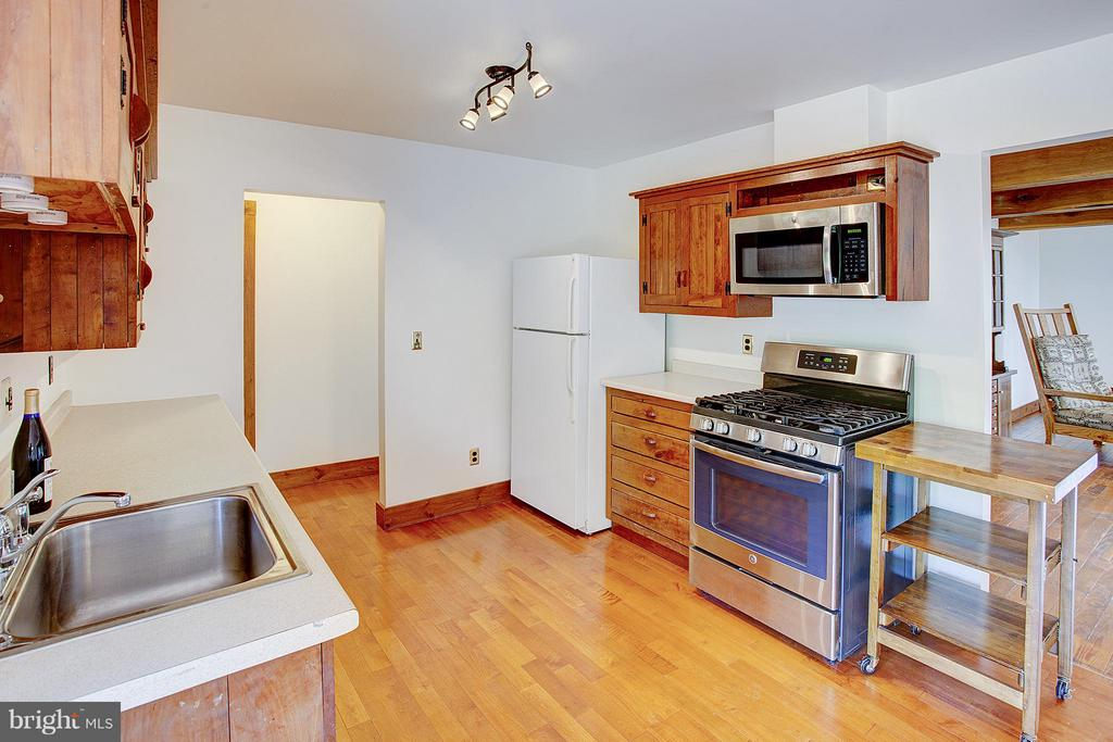 Kitchen - 15286 LOYALTY RD, WATERFORD