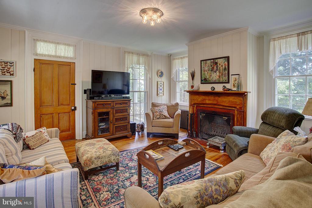 Living Room - 15286 LOYALTY RD, WATERFORD