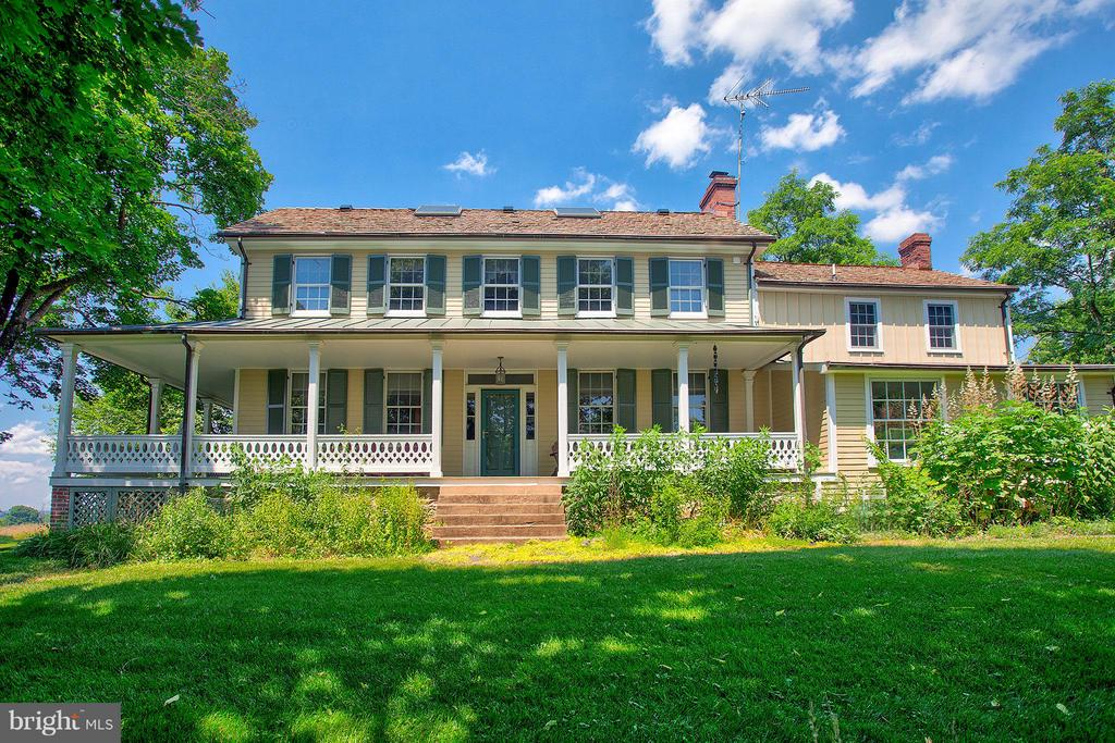Welcome Home! - 15286 LOYALTY RD, WATERFORD