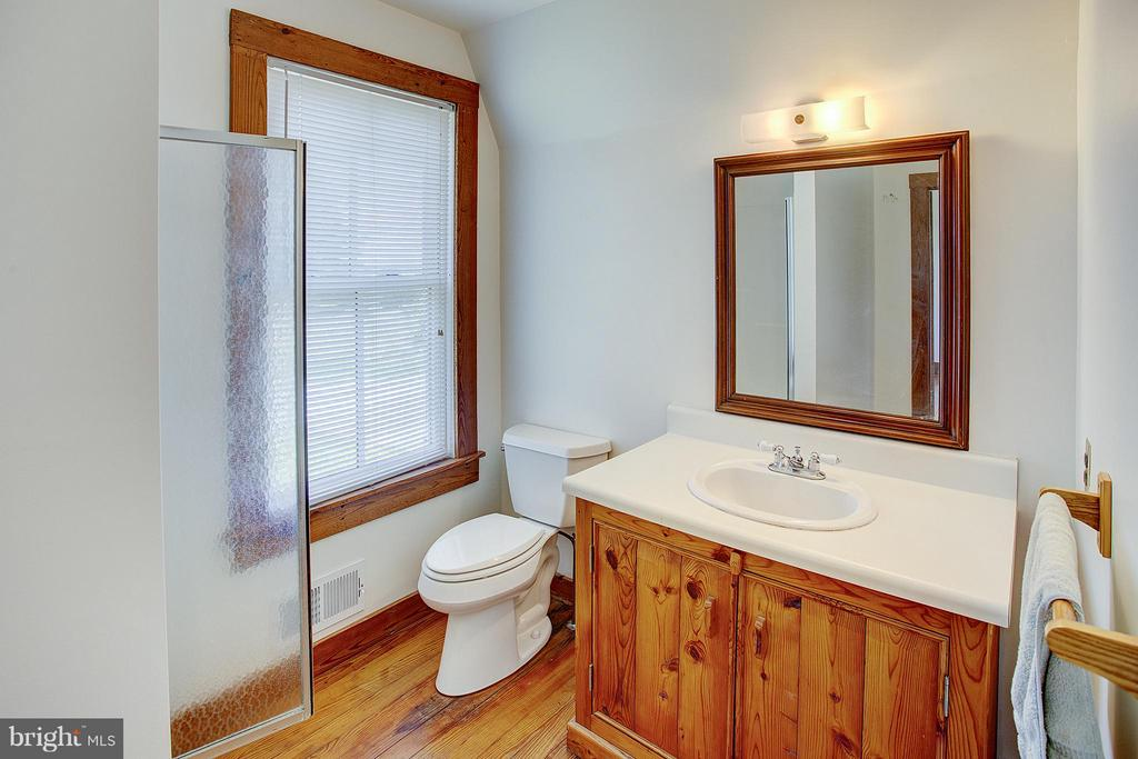 Guest house full bath 1 of 2 - 15286 LOYALTY RD, WATERFORD