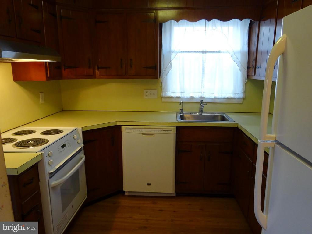 Newer appliances - 12705 GOULD RD, SILVER SPRING