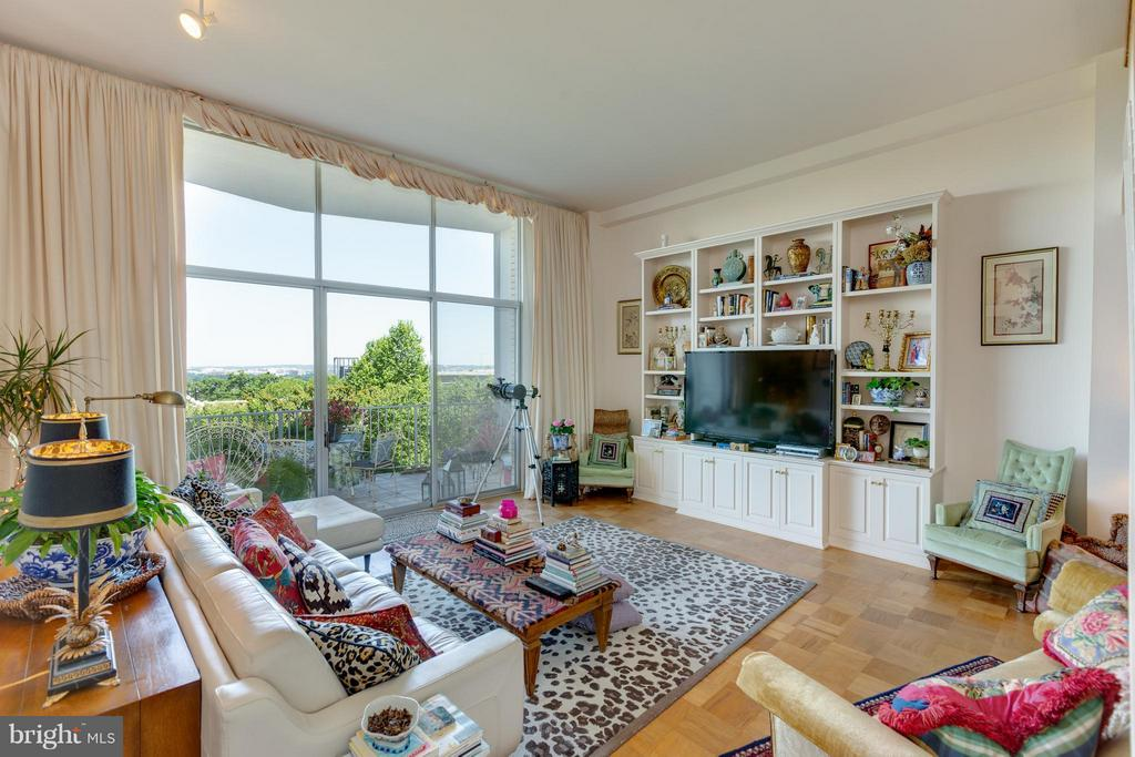 Living Room - 1200 NASH ST N #551, ARLINGTON