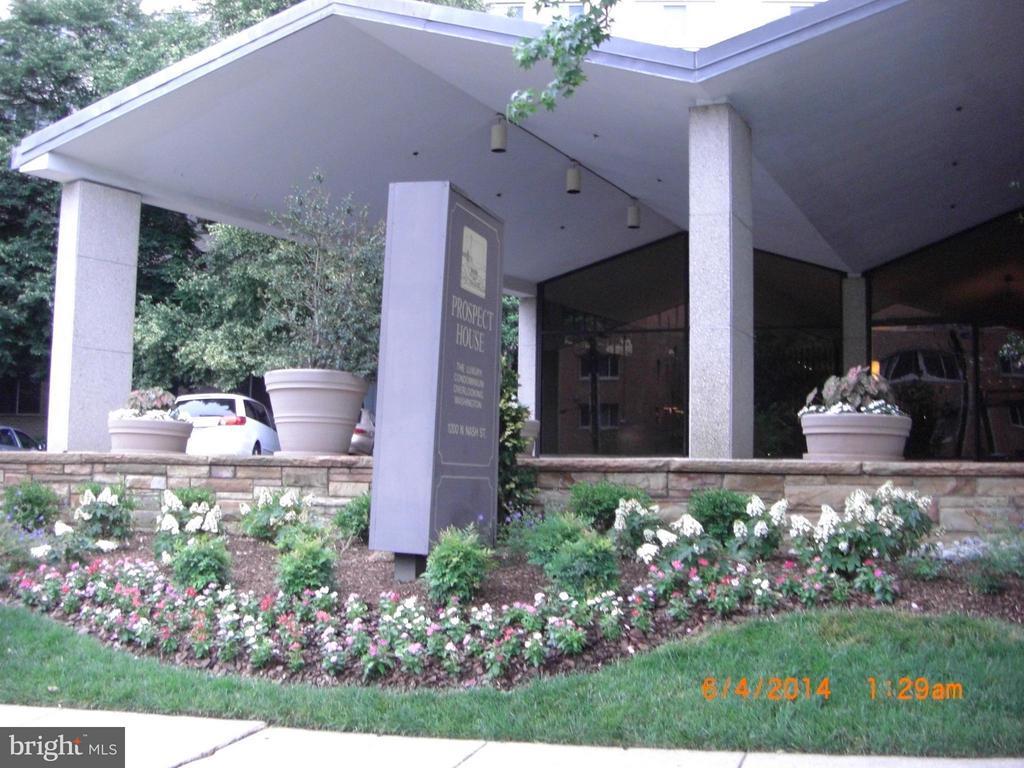 Exterior (Front) - 1200 NASH ST N #551, ARLINGTON