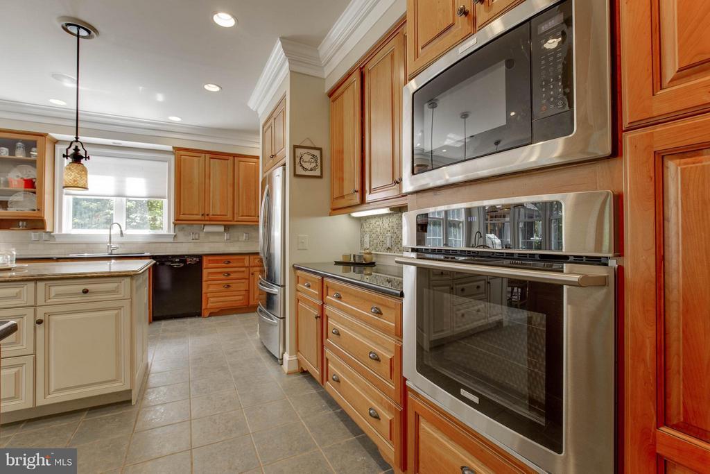 Kitchen - 7961 BAILEYS JOY LN, WARRENTON