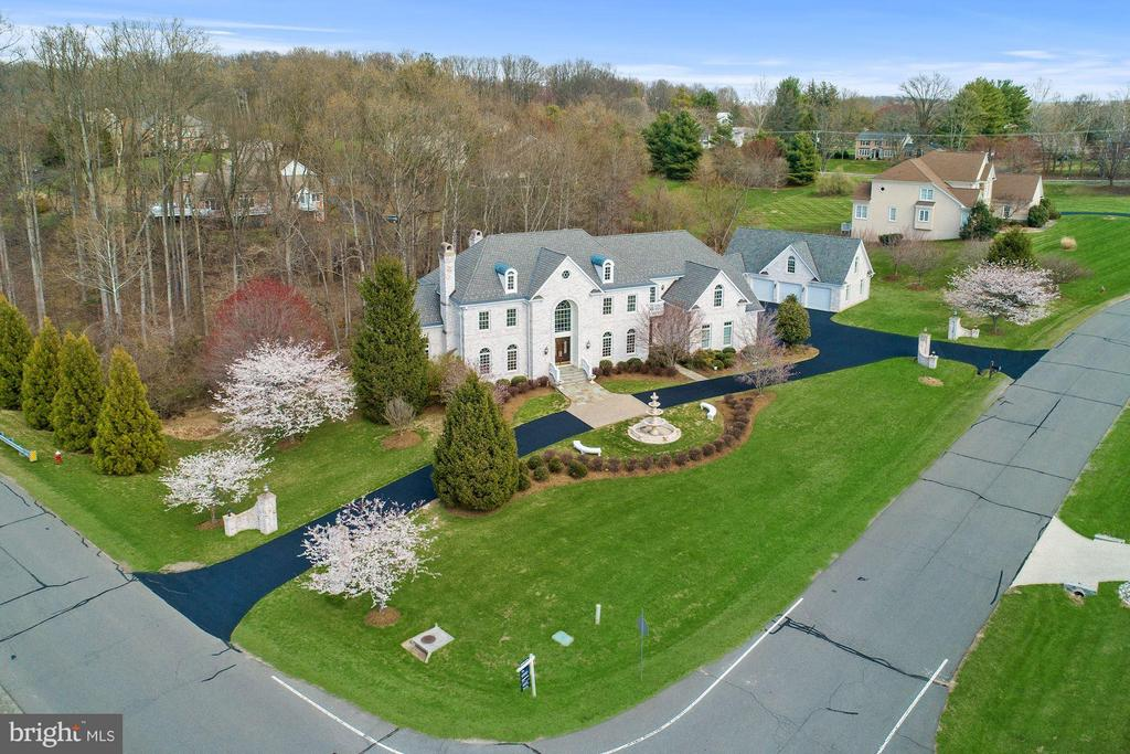 For the most discerning buyer! - 11308 HEARTH CT, GREAT FALLS