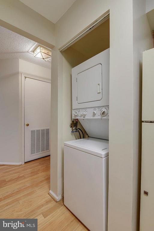 Washer dryer in unit - 2100 LEE HWY #220, ARLINGTON