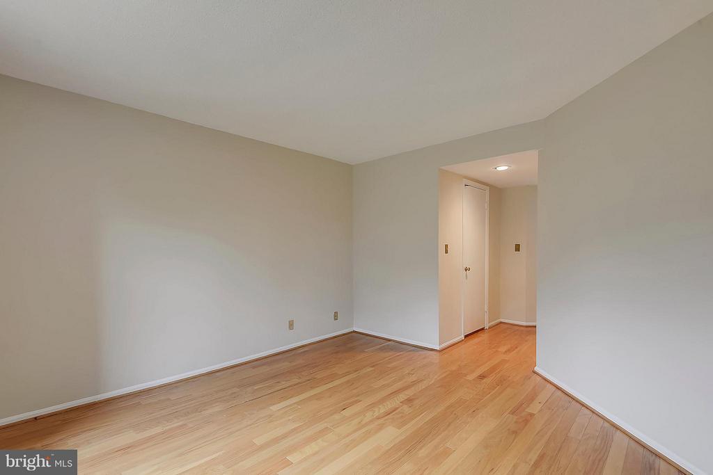 Spacious hall closets & walk-in closet - 2100 LEE HWY #220, ARLINGTON