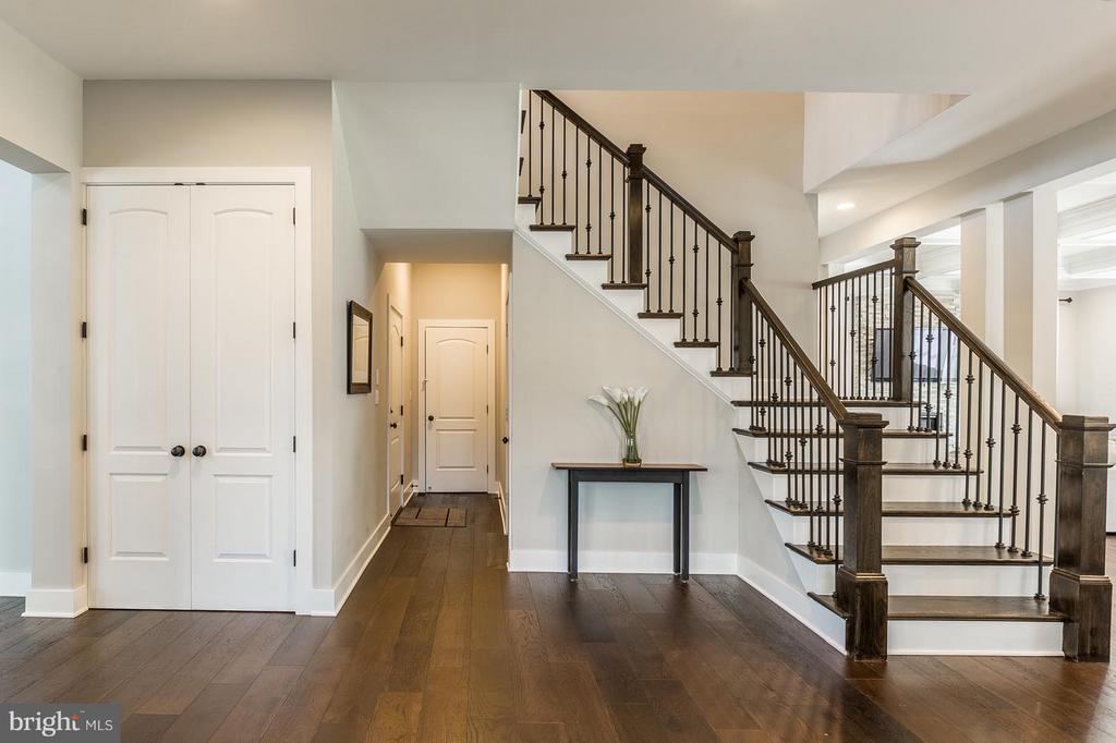 Foyer has a 2 coat closets and a garage access - 7337 PAXTON RD, FALLS CHURCH