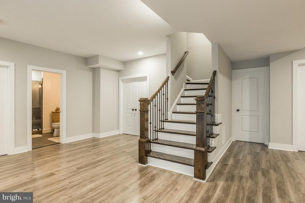 LED Lighting, 2 bedrooms CAT 6 and COAX throughout - 7337 PAXTON RD, FALLS CHURCH