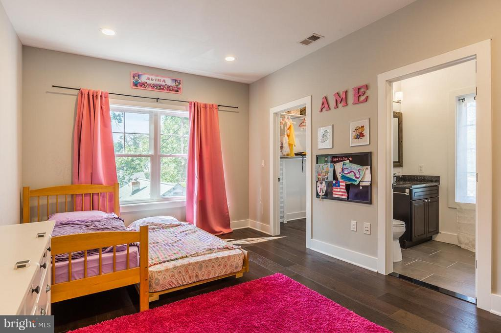 Recessed lighting, walk-in closet and hardwood - 7337 PAXTON RD, FALLS CHURCH