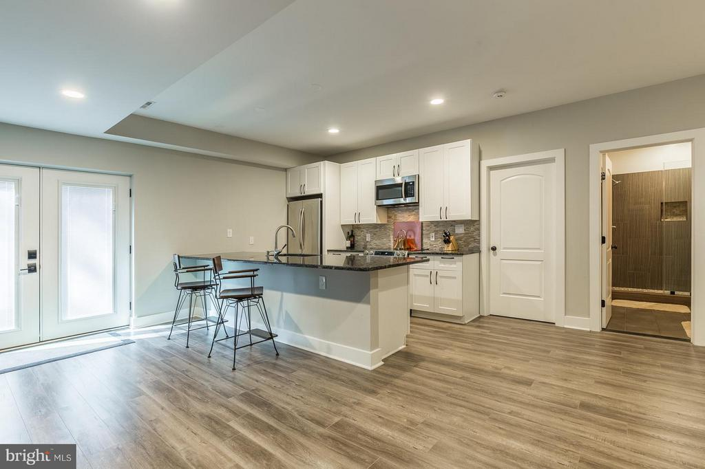 Stainless Steel Appliances and Granite Counters - 7337 PAXTON RD, FALLS CHURCH