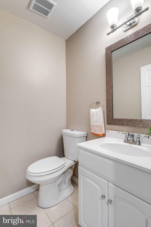 Basement Half Bathroom - 11638 NEWBRIDGE CT, RESTON