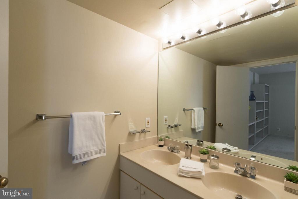 Bath (Master) - 1099 22ND ST NW #811, WASHINGTON