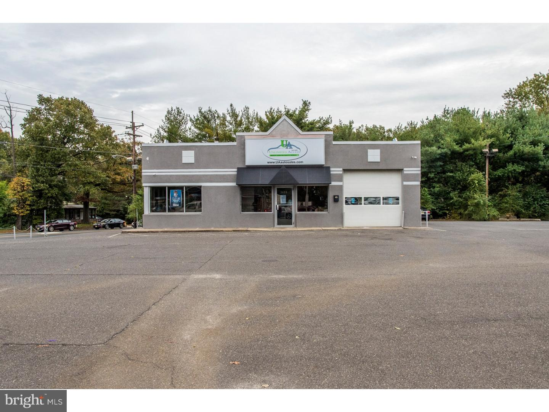 Photo of home for sale at 1403 Hurffville Road, Deptford NJ