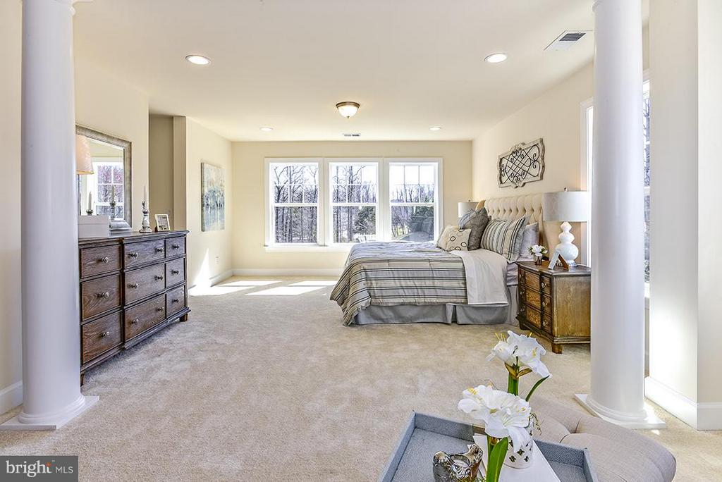 Bedroom (Master) - 11319 BELLMONT DR, FAIRFAX