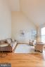 Vaulted ceiling - 43573 DUNHILL CUP SQ, ASHBURN
