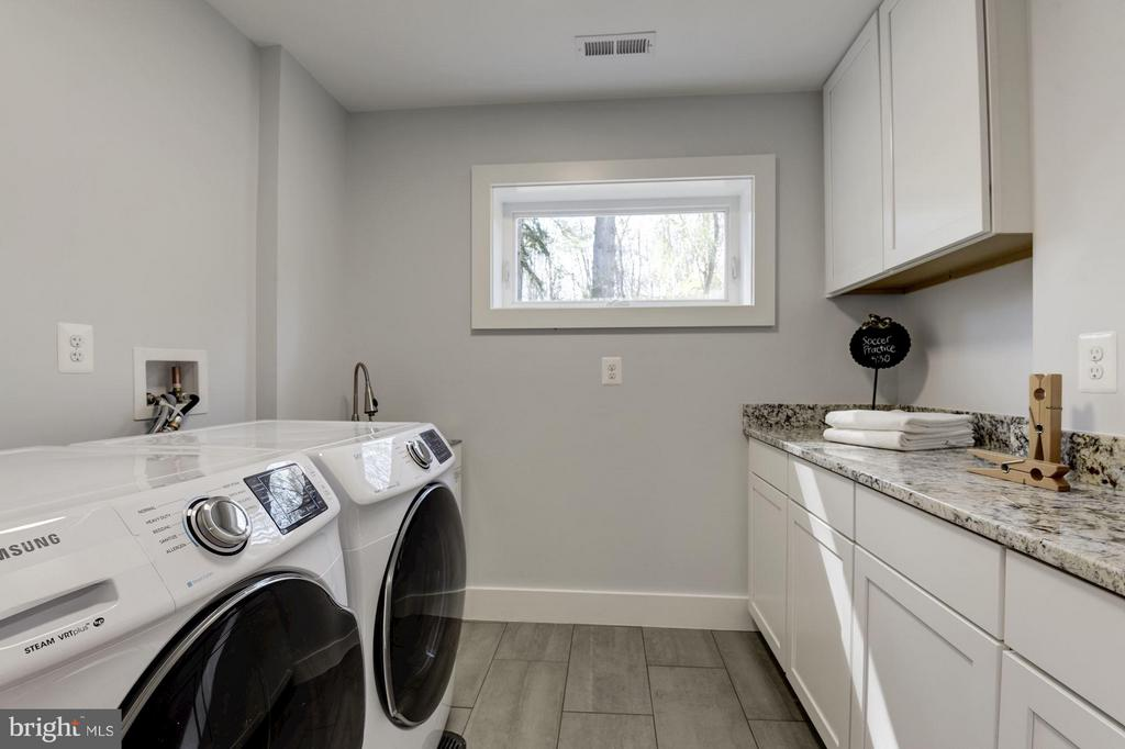 Laundry Room - 10526 HUNTERS VALLEY RD, VIENNA
