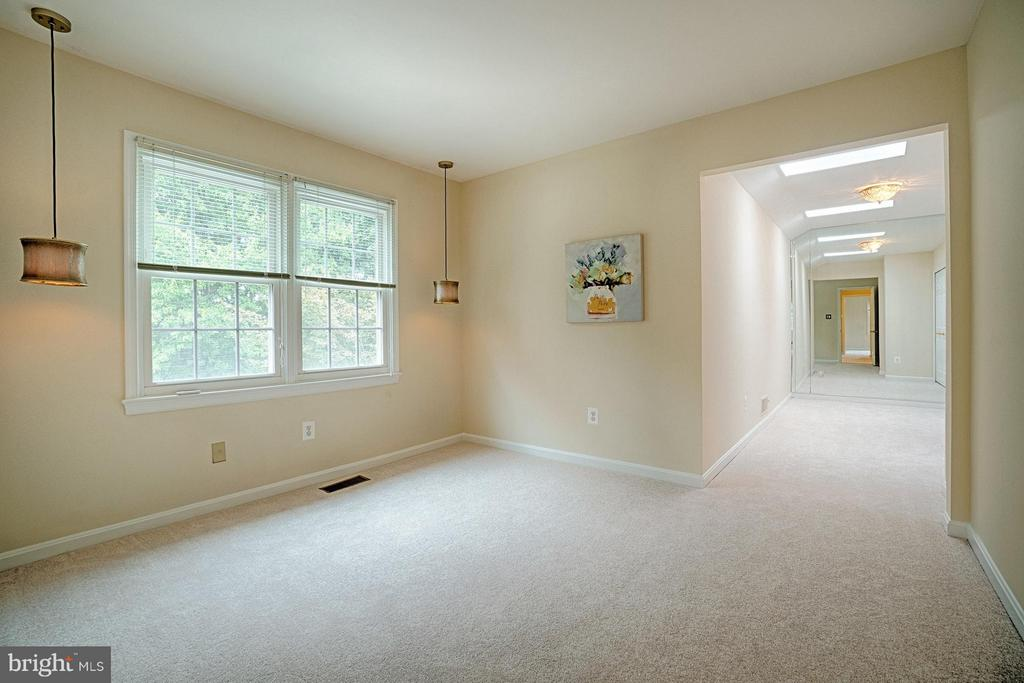 Bedroom #2 with sitting area - 1388 PARK LAKE DR, RESTON