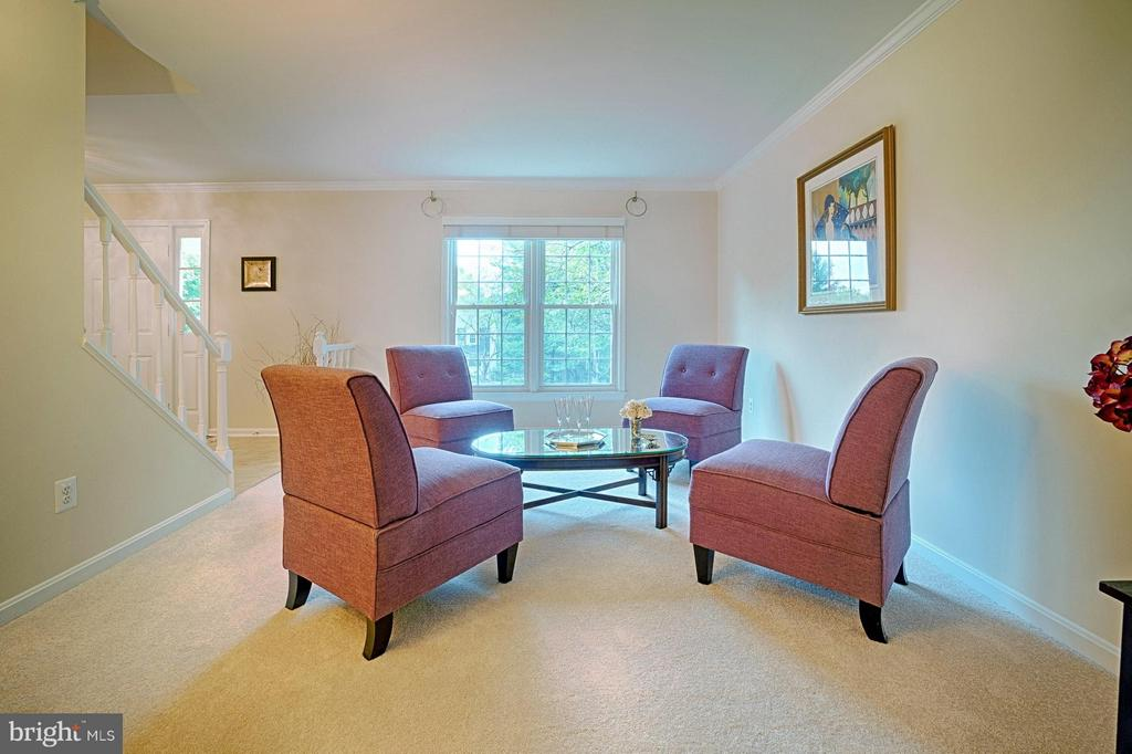 Living Room - 1388 PARK LAKE DR, RESTON