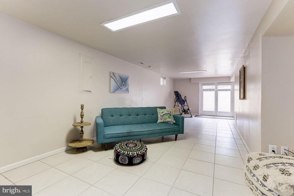 Lower Level Rec Room - 1312 DASHER LN, RESTON