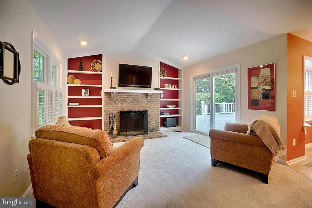 Family Room - 1388 PARK LAKE DR, RESTON