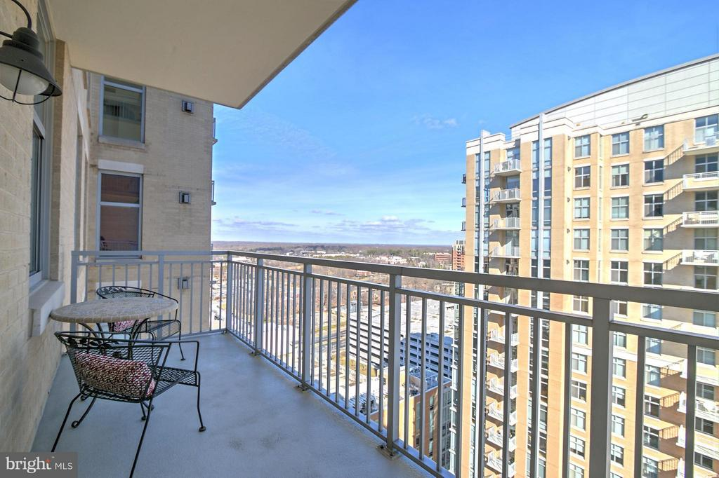 Balcony Off Family Room - 11990 MARKET ST #1811, RESTON