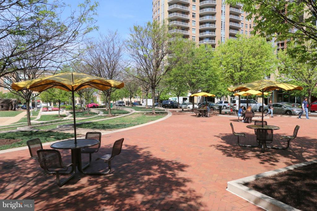 Community - 11990 MARKET ST #1811, RESTON