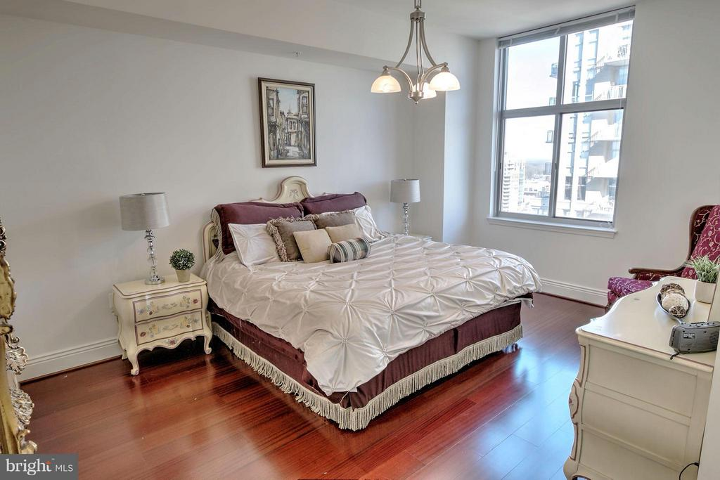 Bedroom (Master) - 11990 MARKET ST #1811, RESTON