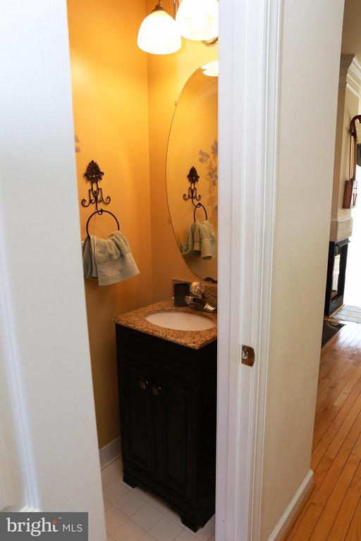 Main Level Half Bath - 11417 LOG RIDGE DR, FAIRFAX