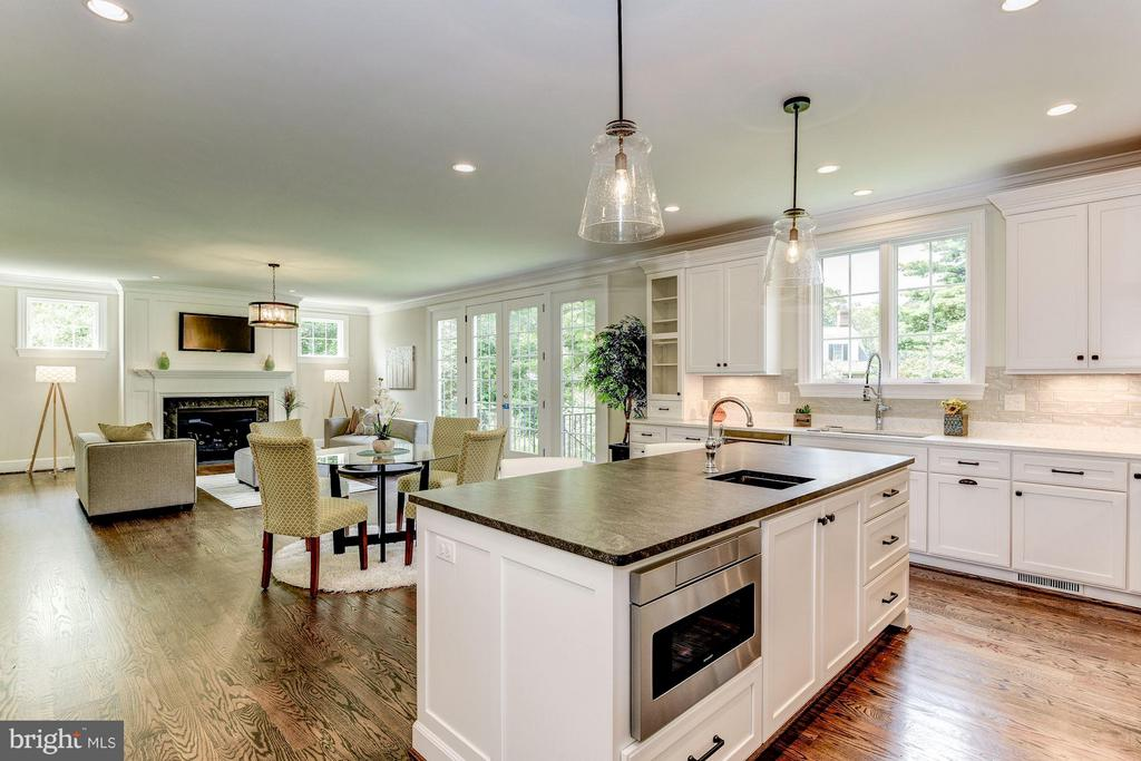 Open Concept into the Family Room - 10510 COBBS GROVE LN, FAIRFAX