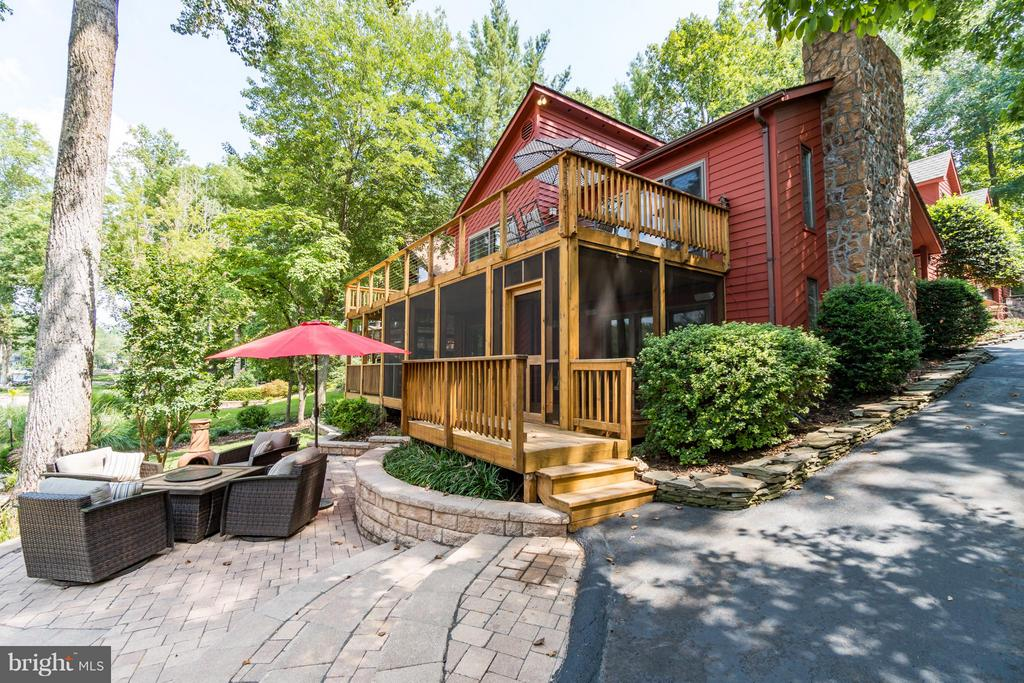 FABULOUS outdoor patio!!! - 232 BEACHSIDE CV, LOCUST GROVE